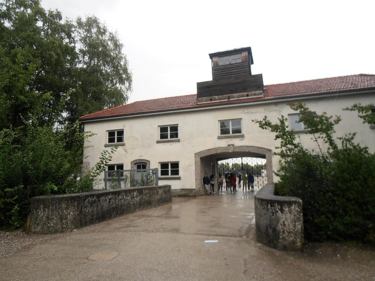 Campo de Concentração de Dachau - a escola da maldade